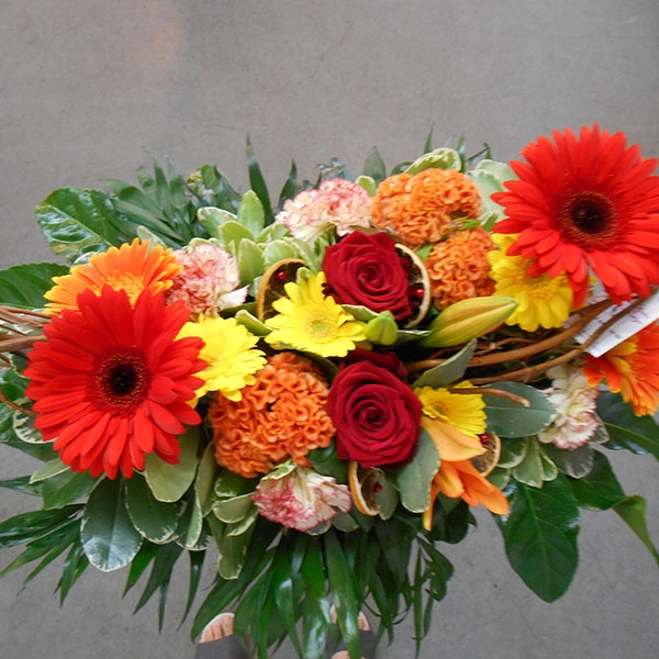 Bouquet longueur rouge orange jaune