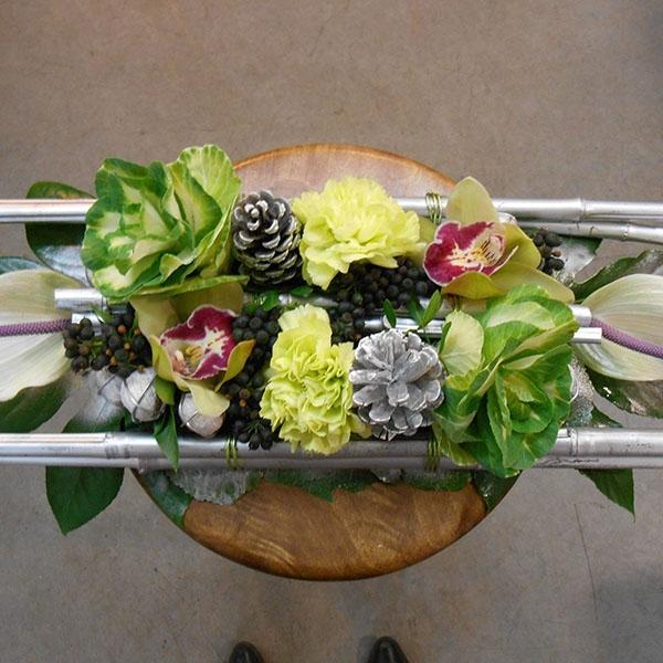 Cours d 39 art floral dans les deux s vres for Centre de table argent